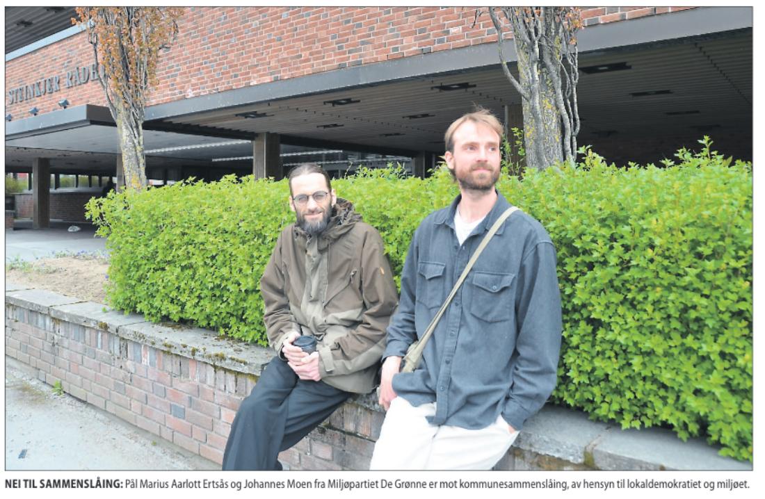 NEI TIL SAMMENSLÅING: Pål Marius Aarlott Ertsås og Johannes Moen fra Miljøpartiet De Grønne er mot kommunesammenslåing, av hensyn til lokaldemokratiet og miljøet.